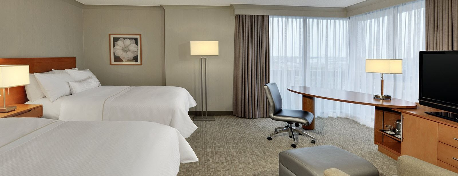 Deluxe Guest Room | The Westin Prince, Toronto